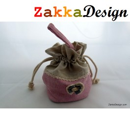 ZakkaDesign: Drawstring square Base accessories pouch bag with hand strap - Pink