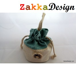 ZakkaDesign: Drawstring square Base accessories pouch bag with hand strap - Green