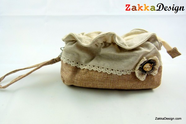 ZakkaDesign: Make-up Hand Pouch Bag with inner side zipper pocket - Beige